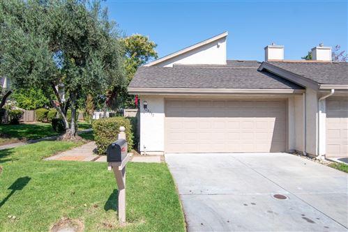 Photo of 20551 Shady Oak LN, CUPERTINO, CA 95014 (MLS # ML81813400)