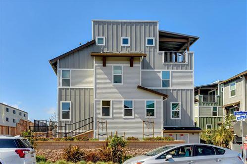 Photo of 16 Hibiscus CT, DALY CITY, CA 94014 (MLS # ML81834400)