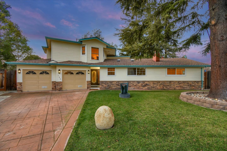 Photo for 735 Sunshine CT, LOS ALTOS, CA 94024 (MLS # ML81822400)