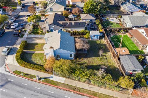 Photo of 581 Oak Ridge DR, REDWOOD CITY, CA 94062 (MLS # ML81825404)