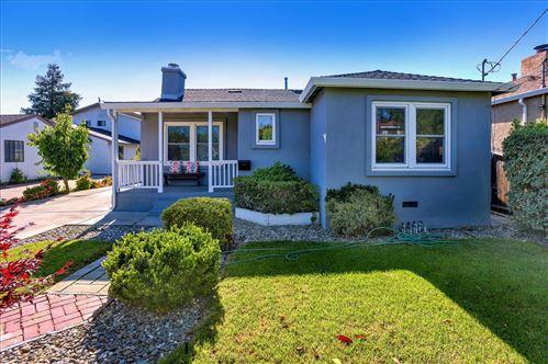 Photo of 1060 Haven Avenue, REDWOOD CITY, CA 94063 (MLS # ML81860410)