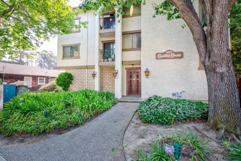 Photo for 1209 Oak Grove Avenue #101, BURLINGAME, CA 94010 (MLS # ML81860416)