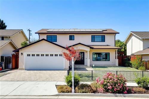 Photo of 1037 Oaktree Drive, SAN JOSE, CA 95129 (MLS # ML81860427)