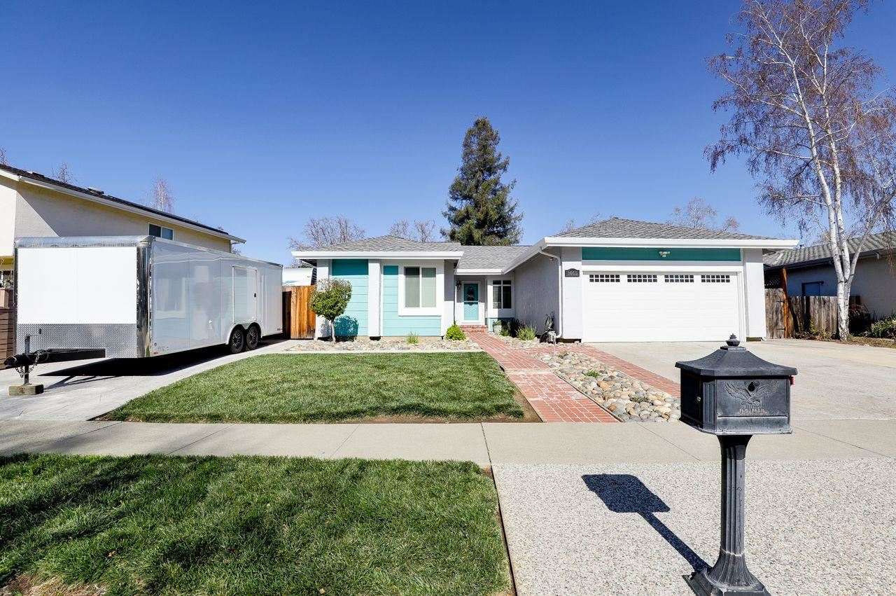 Photo for 1015 Wentz DR, GILROY, CA 95020 (MLS # ML81829437)