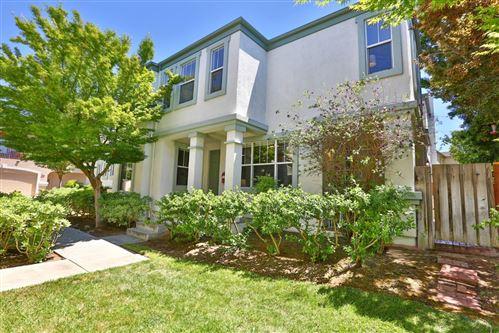 Photo of 906 Brea Lane #391, SAN JOSE, CA 95138 (MLS # ML81842449)