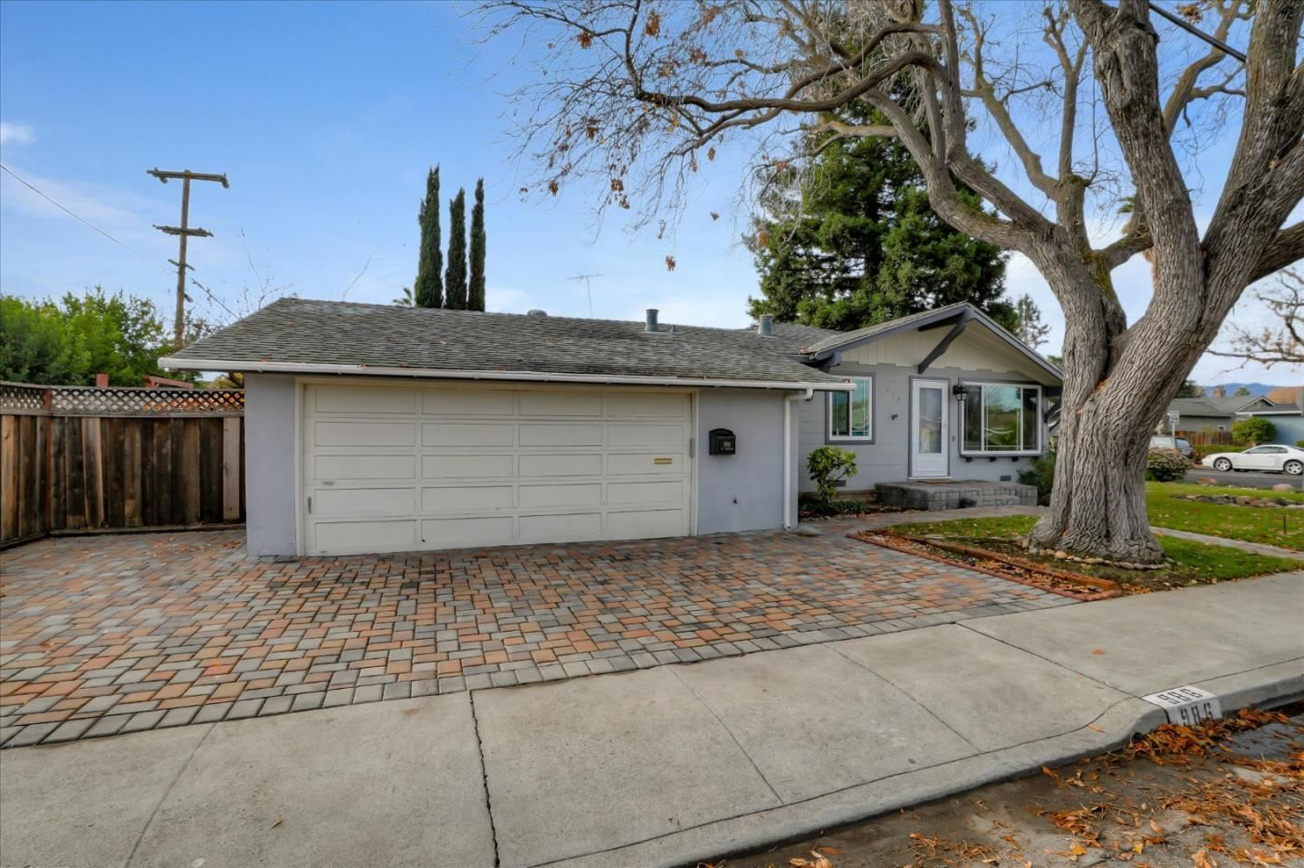 Photo for 986 W Latimer AVE, CAMPBELL, CA 95008 (MLS # ML81823449)