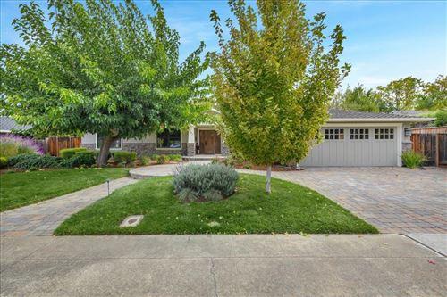 Photo of 1863 Walnut Drive, MOUNTAIN VIEW, CA 94040 (MLS # ML81867460)