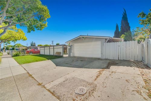 Photo of 315 Meadowlake DR, SUNNYVALE, CA 94089 (MLS # ML81790462)