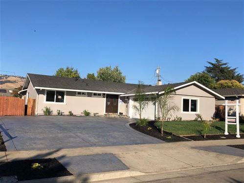 Photo of 4096 Partridge DR, SAN JOSE, CA 95121 (MLS # ML81803462)