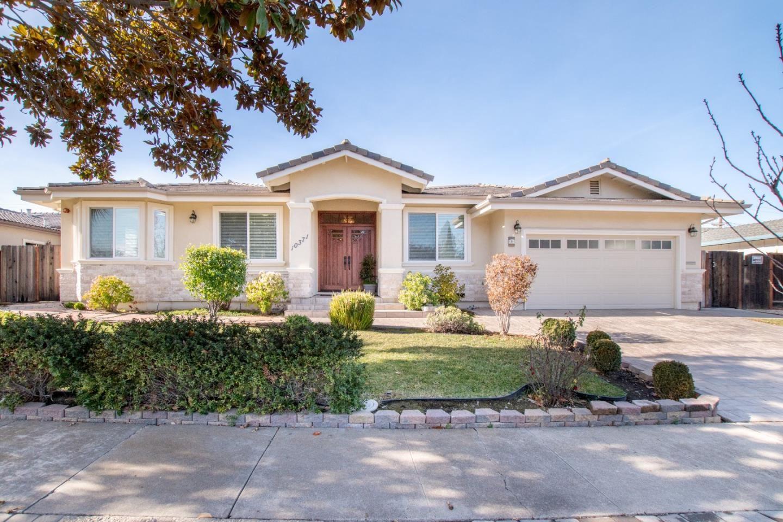 Photo for 10371 Cherry Tree LN, CUPERTINO, CA 95014 (MLS # ML81824468)
