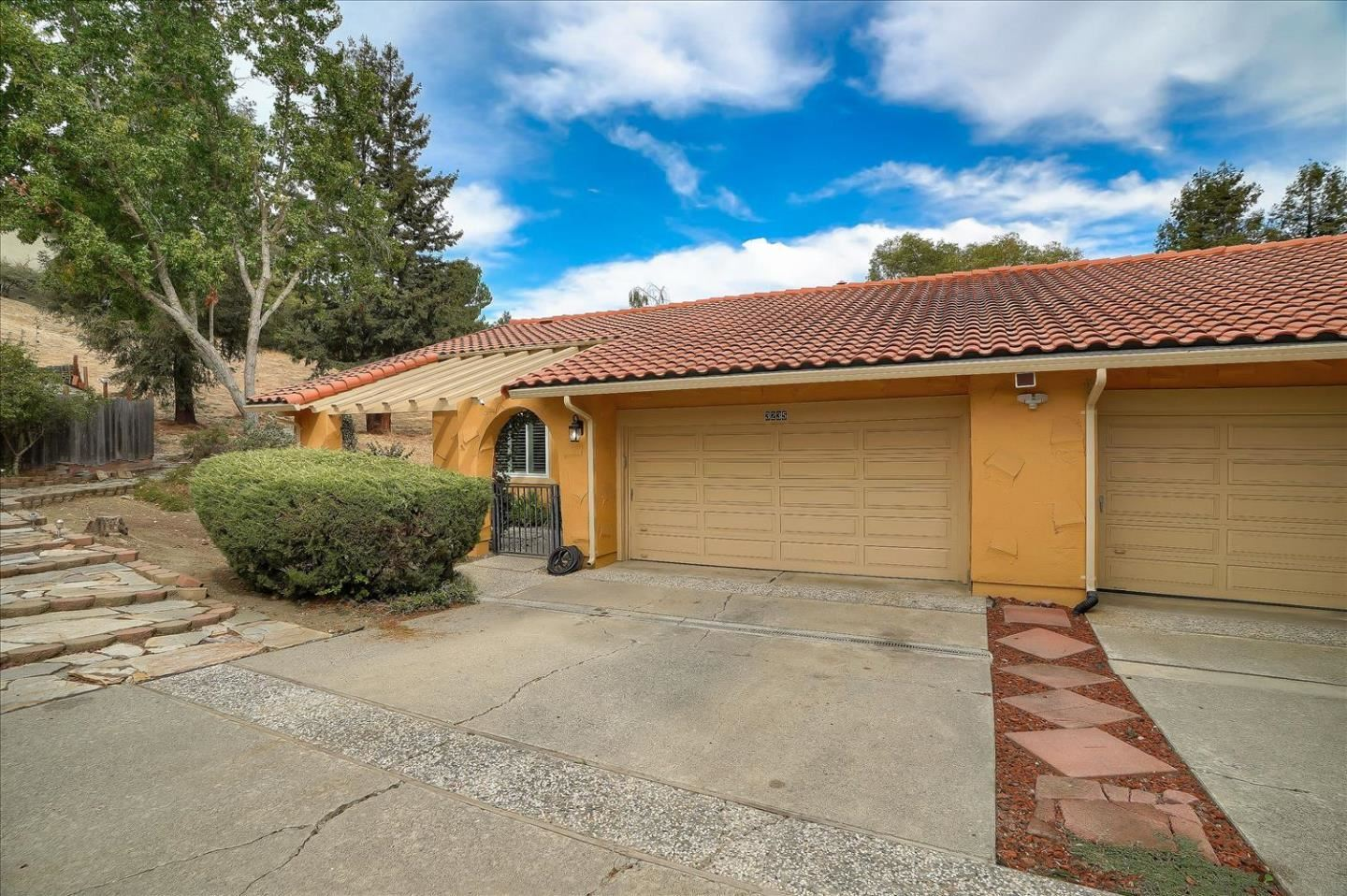 Photo for 3235 E Dunne AVE, MORGAN HILL, CA 95037 (MLS # ML81813469)