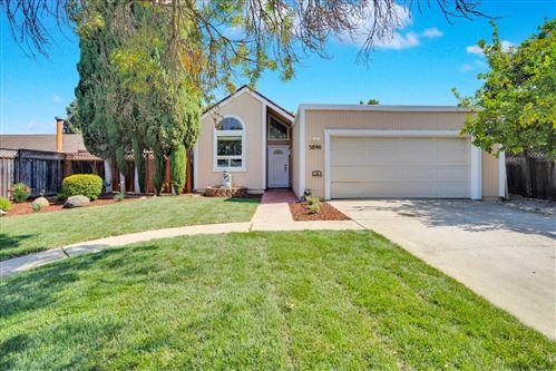 Photo of 3890 Gardie Place Way, SAN JOSE, CA 95121 (MLS # ML81861471)