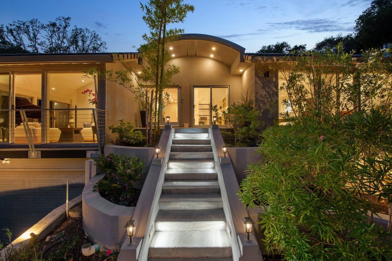Photo for 13303 Wildcrest DR, LOS ALTOS HILLS, CA 94022 (MLS # ML81808472)