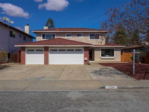 Photo of 2536 Glen Dundee WAY, SAN JOSE, CA 95148 (MLS # ML81834473)