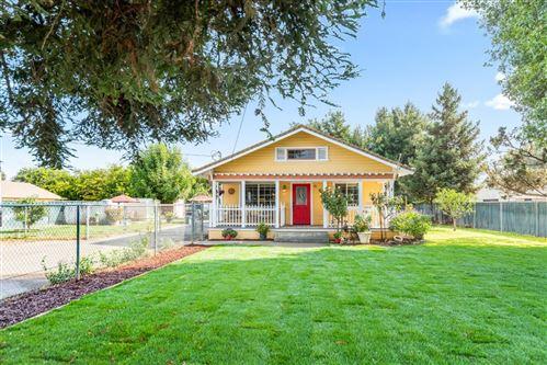 Photo of 13610 Llagas Avenue, SAN MARTIN, CA 95046 (MLS # ML81864474)