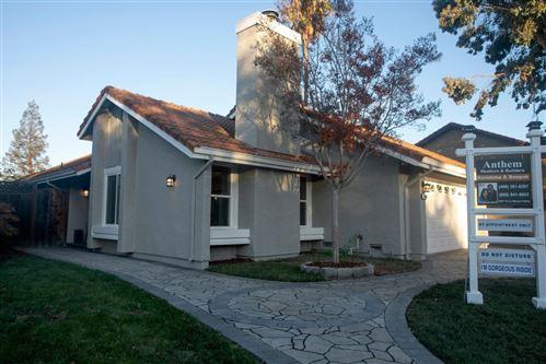 Photo of 2365 Hecate CT, SAN JOSE, CA 95124 (MLS # ML81818479)