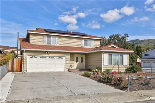 Photo of 899 Russell LN, MILPITAS, CA 95035 (MLS # ML81786483)