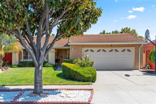 Photo of 5084 Bougainvillea DR, SAN JOSE, CA 95111 (MLS # ML81839483)