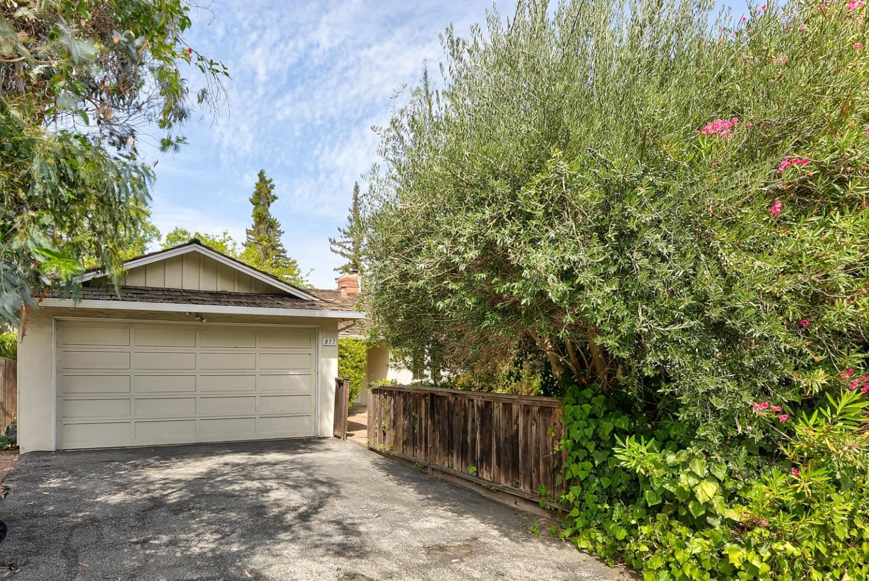 Photo for 857 Hierra Court, LOS ALTOS, CA 94024 (MLS # ML81862484)