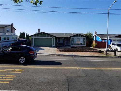 Photo of 984 W Cypress RD, OAKLEY, CA 94561 (MLS # ML81799487)