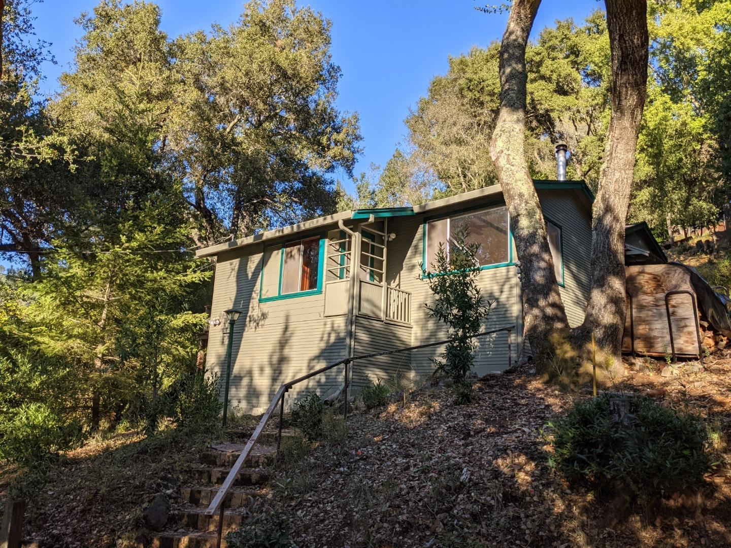 Photo for 21487 Old Mine RD, LOS GATOS, CA 95033 (MLS # ML81818499)