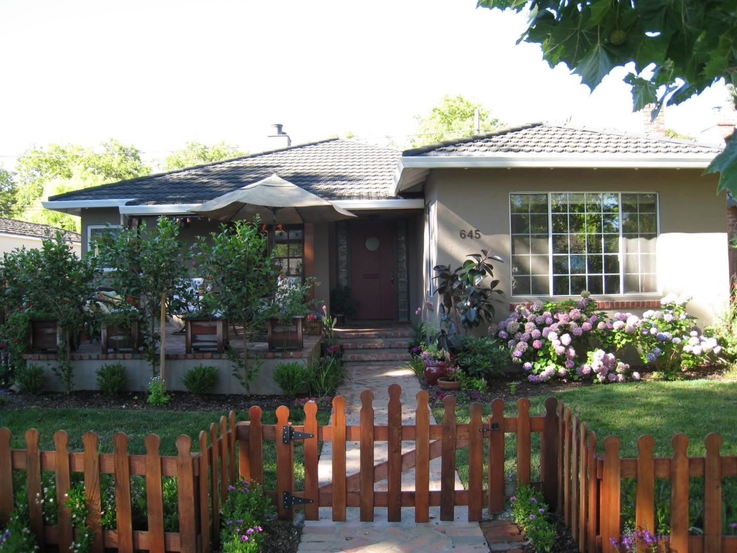 Photo for 645 Sierra AVE, MOUNTAIN VIEW, CA 94041 (MLS # ML81840503)