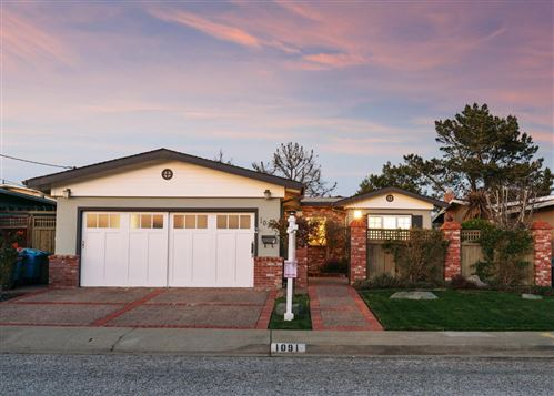 Photo of 1091 Manzanita DR, PACIFICA, CA 94044 (MLS # ML81785504)