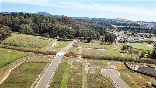 Photo of 0 Summer Creek CT, HALF MOON BAY, CA 94019 (MLS # ML81760505)
