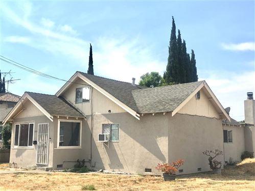 Photo of 899 N 19th ST, SAN JOSE, CA 95112 (MLS # ML81806506)