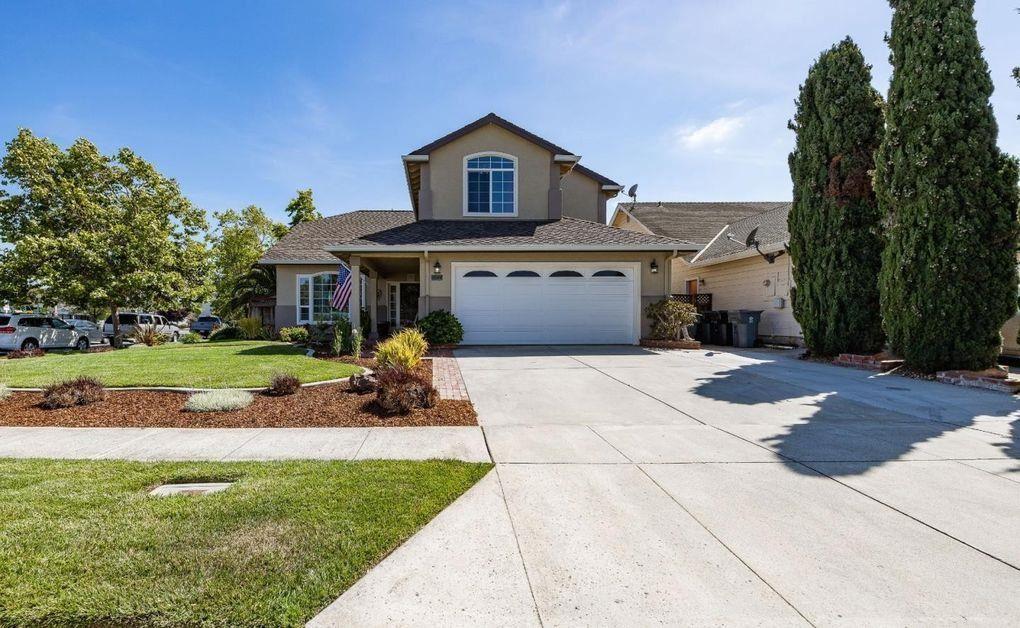 1044 Crestview Street, Salinas, CA 93906 - MLS#: ML81862507