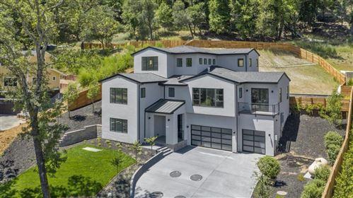 Photo of 18310 Castle Hill WAY, LOS GATOS, CA 95033 (MLS # ML81794510)