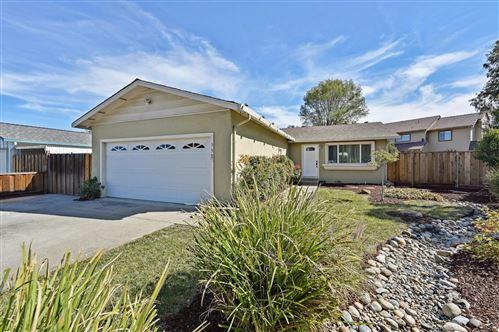 Photo of 350 Via Loma, MORGAN HILL, CA 95037 (MLS # ML81867510)