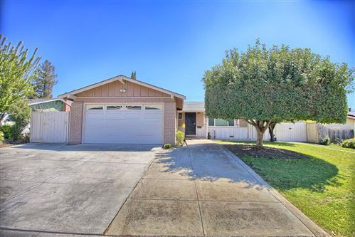 Photo of 3352 Mount Mckinley DR, SAN JOSE, CA 95127 (MLS # ML81836512)