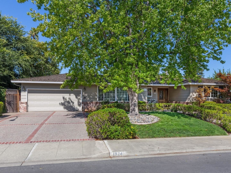 Photo for 1924 Orangetree LN, MOUNTAIN VIEW, CA 94040 (MLS # ML81802512)
