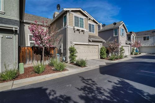 Photo of 140 Caroline LN, GILROY, CA 95020 (MLS # ML81799514)