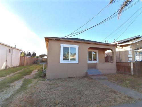 Photo of 527 Santa Ana AVE, SAN JOSE, CA 95112 (MLS # ML81790516)