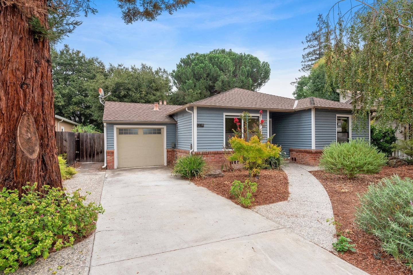 Photo for 314 Esther AVE, CAMPBELL, CA 95008 (MLS # ML81809517)