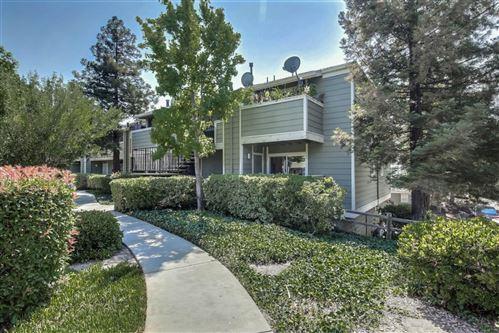 Photo of 91 Castlebridge DR, SAN JOSE, CA 95116 (MLS # ML81809518)