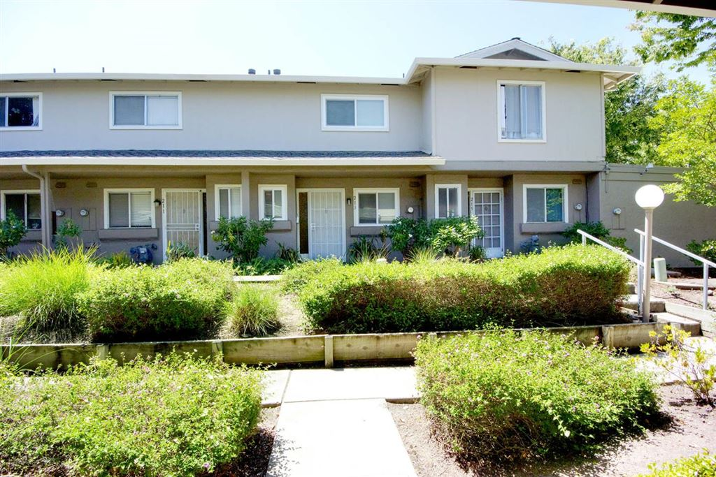 Photo for 221 N Temple DR, MILPITAS, CA 95035 (MLS # ML81755518)