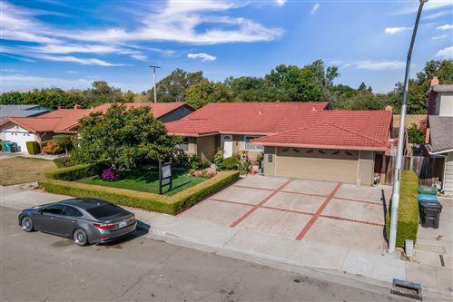 Photo of 3735 Eastwood CIR, SANTA CLARA, CA 95054 (MLS # ML81799520)
