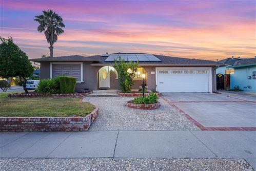 Photo of 431 Bluefield Drive, SAN JOSE, CA 95136 (MLS # ML81853520)