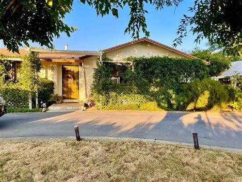 Photo of 13530 Columbet Avenue, SAN MARTIN, CA 95046 (MLS # ML81859523)