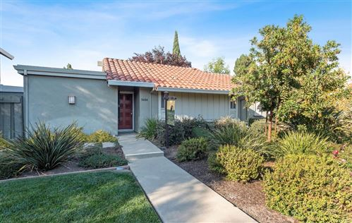 Photo of 5684 Hollyleaf LN, SAN JOSE, CA 95118 (MLS # ML81818525)