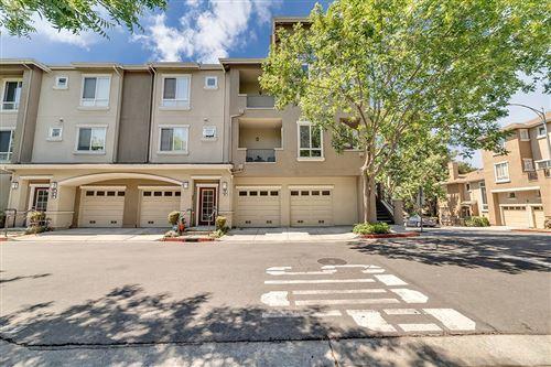 Photo of 498 White Chapel Avenue, SAN JOSE, CA 95136 (MLS # ML81851527)