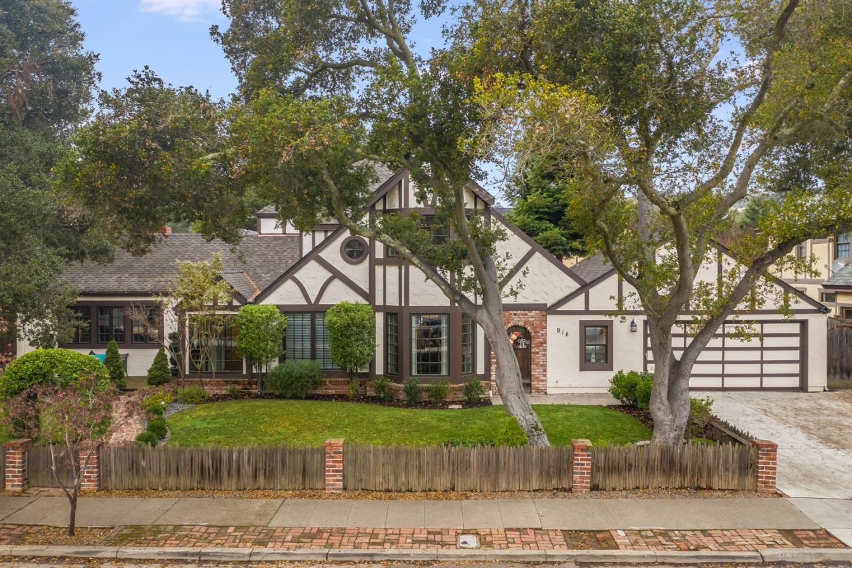 Photo for 914 Avon ST, BELMONT, CA 94002 (MLS # ML81824527)