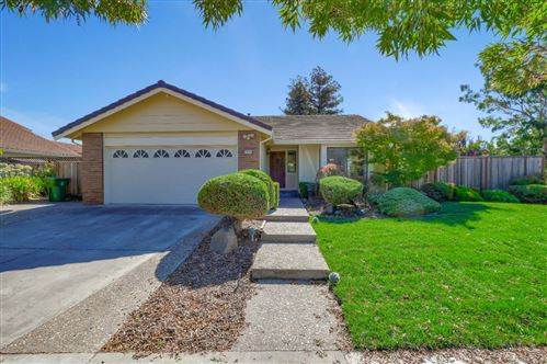 Photo of 2804 Dominici DR, FREMONT, CA 94536 (MLS # ML81812529)