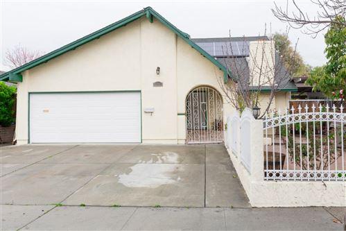 Photo of 4392 Kingspark DR, SAN JOSE, CA 95136 (MLS # ML81835532)