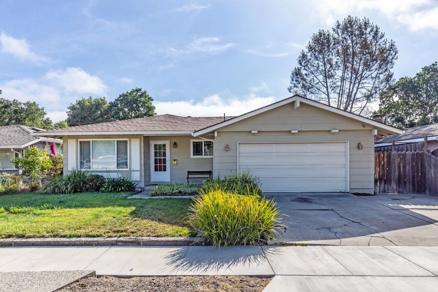 Photo for 101 Manor Court, MORGAN HILL, CA 95037 (MLS # ML81847537)