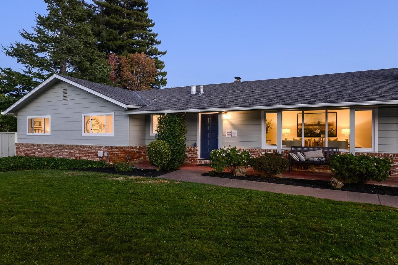 Photo for 20 Castle CT, HILLSBOROUGH, CA 94010 (MLS # ML81820541)