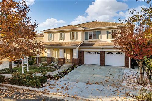 Photo of 1719 Indigo Oak LN, SAN JOSE, CA 95121 (MLS # ML81821546)
